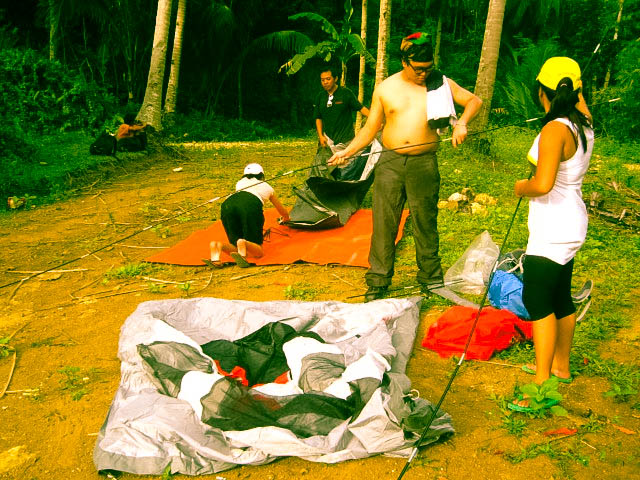 MALAKAT Outdoors preparing camp.