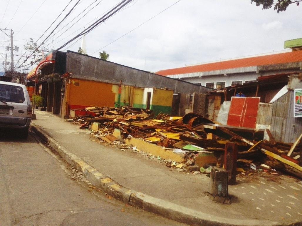damage in in burgos street tacloban city