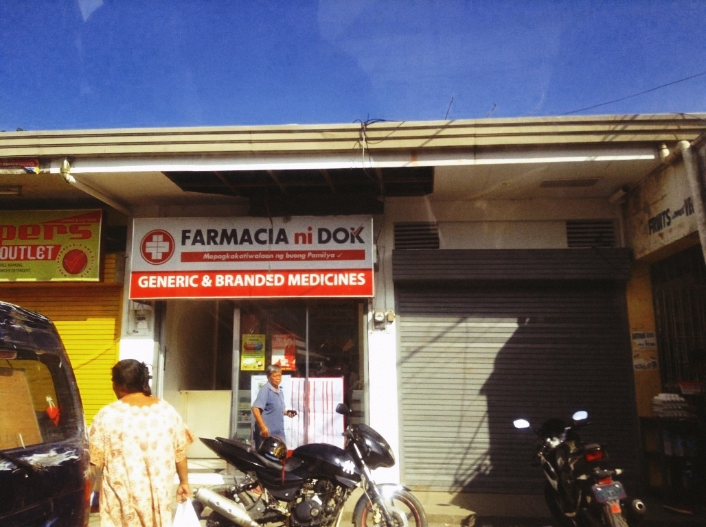 farmacia ni doc in tacloban city after typhoon yolanda