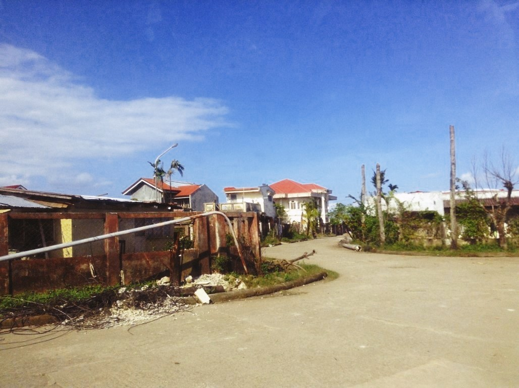damage in V&G tacloban City after typhoon yolanda 4