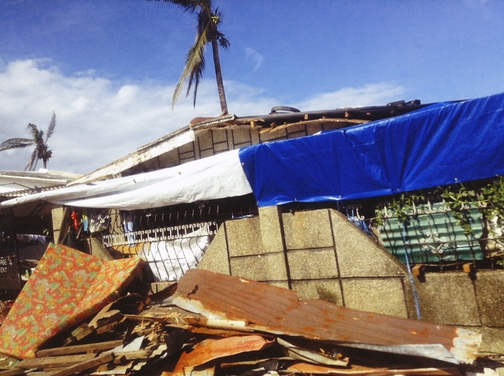 damage in V&G tacloban City after typhoon yolanda 2