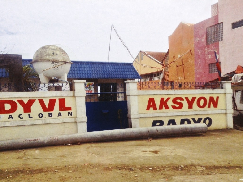 dyvl aksyon radyo in tacloban city after typhoon yolanda